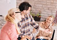 Féltékeny vagy partnered munkatársaira?