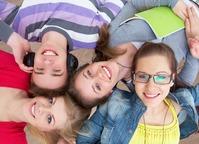 A boa relação entre professores e alunos contribui para uma melhor aprendizagem. Imagem: arquivos Webnode.