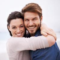 El bálsamo labial unisex y la vaselina con aceite de aloe para los labios.