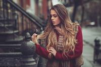 El aloe vera rejuvenece el cabello, elimina la caspa y previene la picazón en el cuero cabelludo.