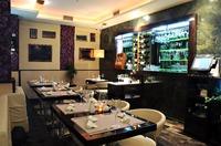 Restaurace, hotely, komerční prostory